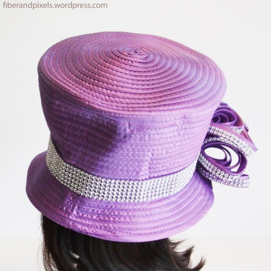 alice-frenz-purple-hat-back-fiber-and-pixels