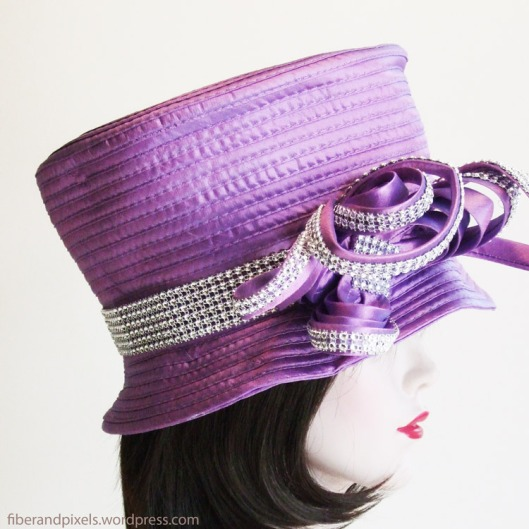 alice-frenz-purple-hat-side-fiber-and-pixels
